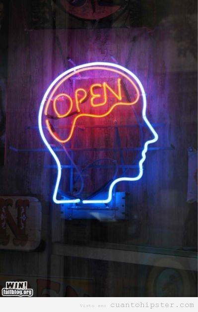 Letrero luminoso de neon de un bar Open Mind