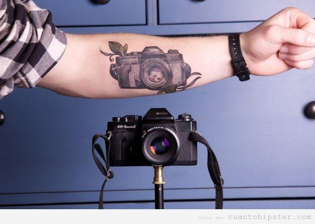 hipster-tatuaje-tatoo-camara-retro-antig