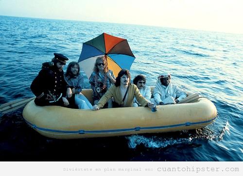 Foto retro de Padres hipsters fotos raras en barcas en el agua
