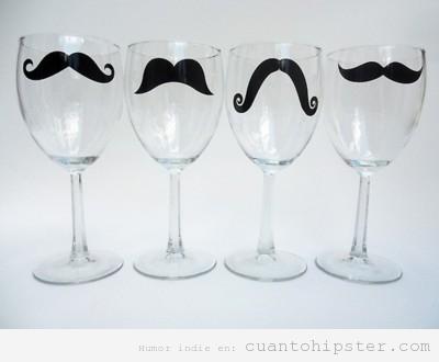 Copas de vino con moustache hipster