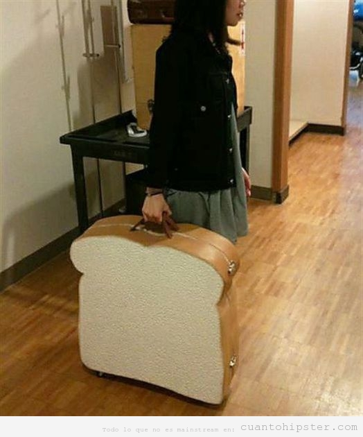 Maleta hipster con la forma de una rebanada de pan de molde