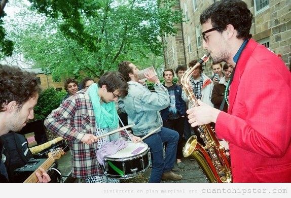 Banda callejera de música versión hipster