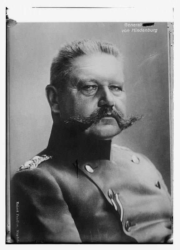 Gen Von Hindenburg bigote retro vintage