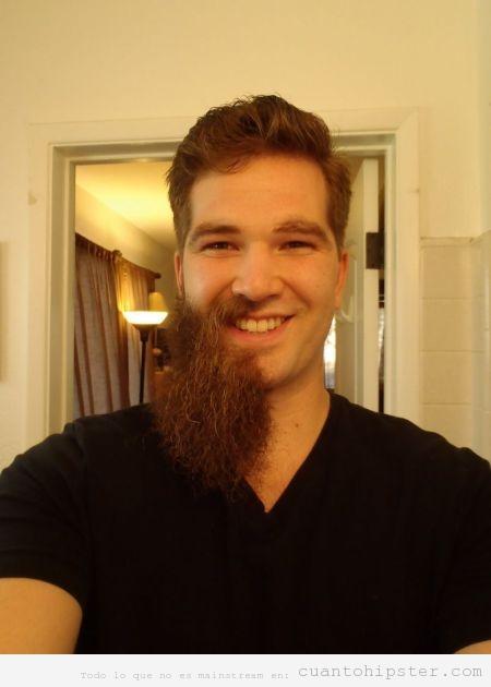 Chico hipster con la mitad de la barba afeitada 89fc9ca4599e
