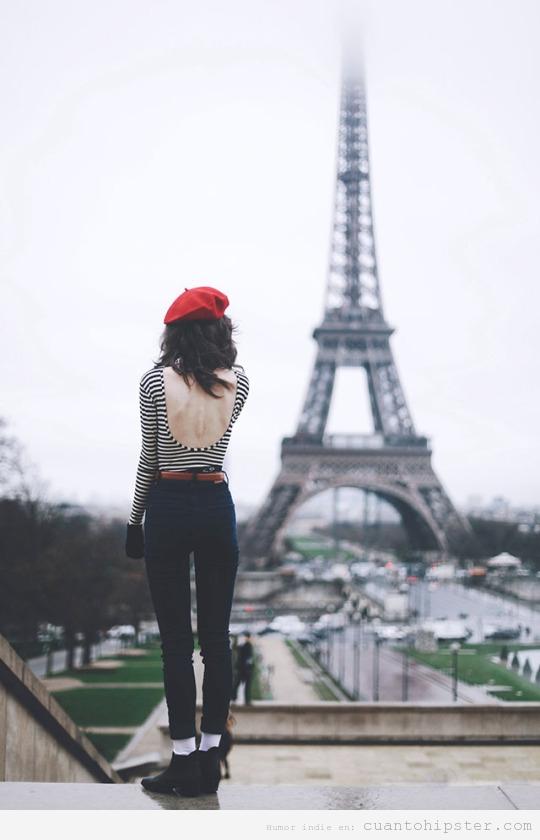 Chica look hipster o beatnik en París