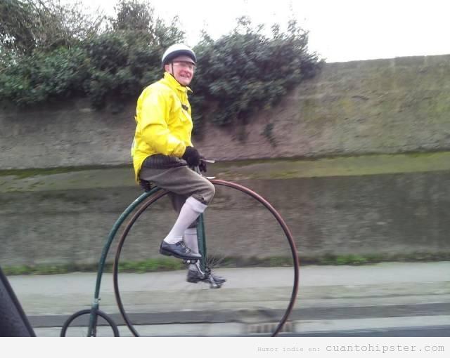 yayohipster con bici antigua de rueda grande puro amor