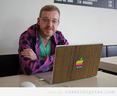 Hipster ordenador mac customizado