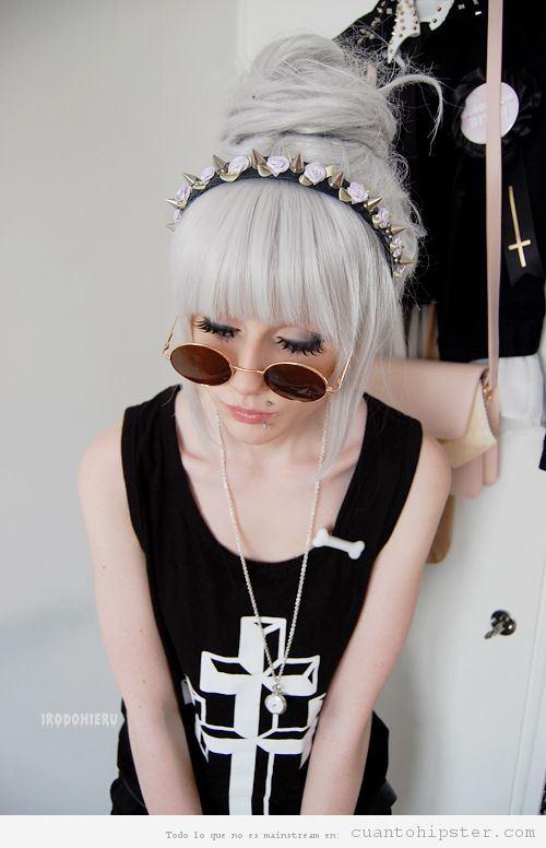 Pelo rubia ceniza mujer hipster 3
