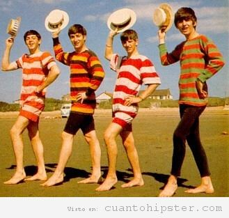 The Beatles en la playa en 1963 por Dezo Hoffman 2