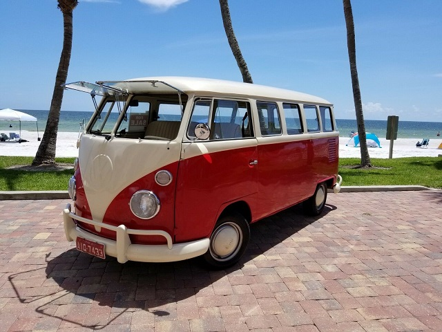Coche hipster Volkswagen Vanagon