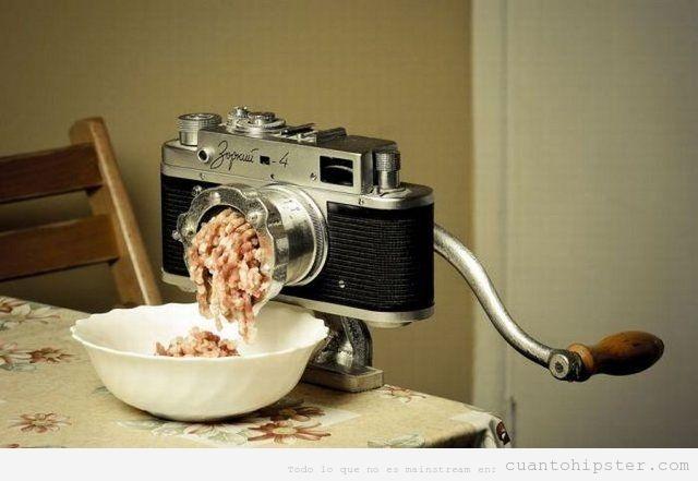 Máquina de picar carne con forma de cámara de fotos antigua retro