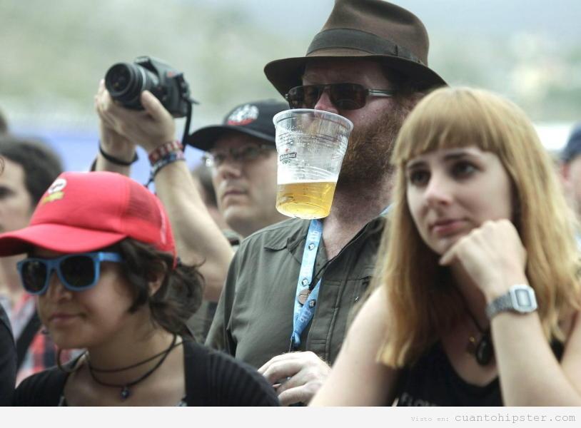 Hipsters en un concierto del FIB 2012