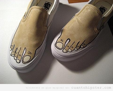 Zapatillas Vans con un pie dibujado