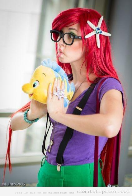 Chica disfrazada de Sirenita Hipster