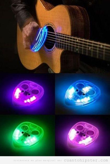 Púa de guitarra que se ilumina