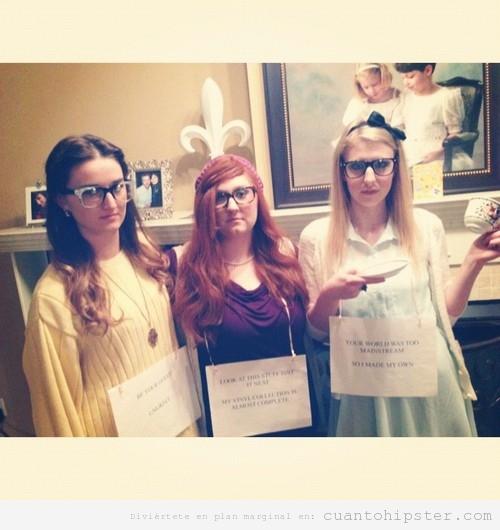 Chicas disfrazadas de Princesas Disney Hipsters en Halloween