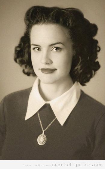 Imagen estilo vintage de una chica disfrazada de su abuela en los años 50
