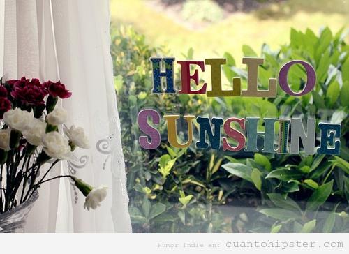 Letras de colores pegadas en la ventana, hello sunshine