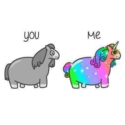 Dibujo gracioso, persona normal vs hipster, caballo vs unicornio