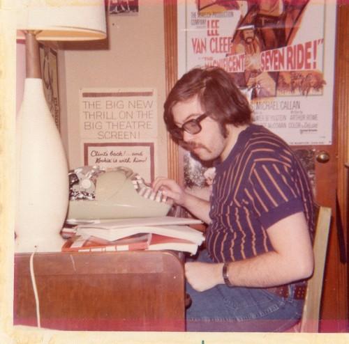 Dads are the original hipsters, padre escribiendo a máquina