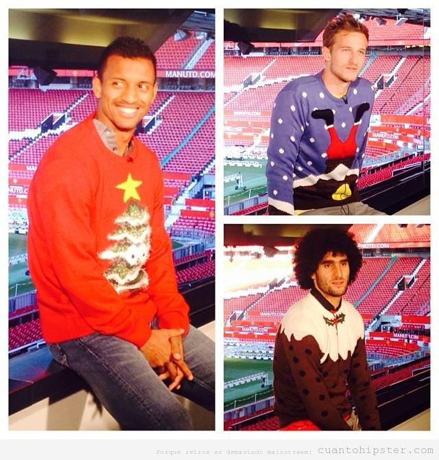 Futbolistas del Manchester United con jerséis feos de Navidad