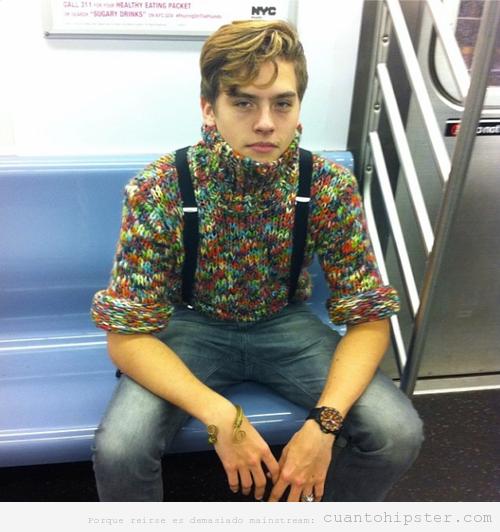 Look hipster de invierno para chico, jersey colores cuello alto