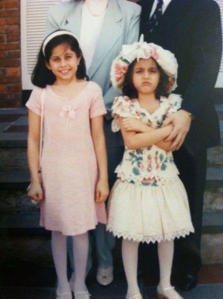 Foto antigua de una niña con look indie en los 90