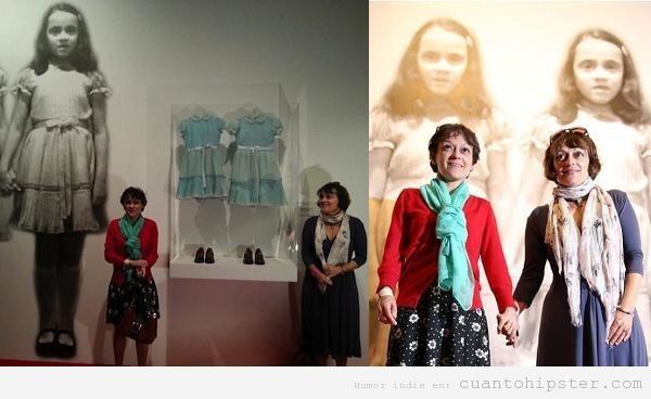 Foto curiosa, gemelas El Resplandor recrean escena 34 años después