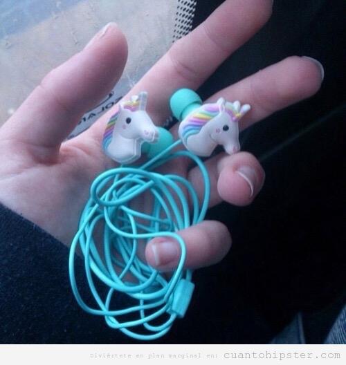 Auriculares hipster con forma de unicornio