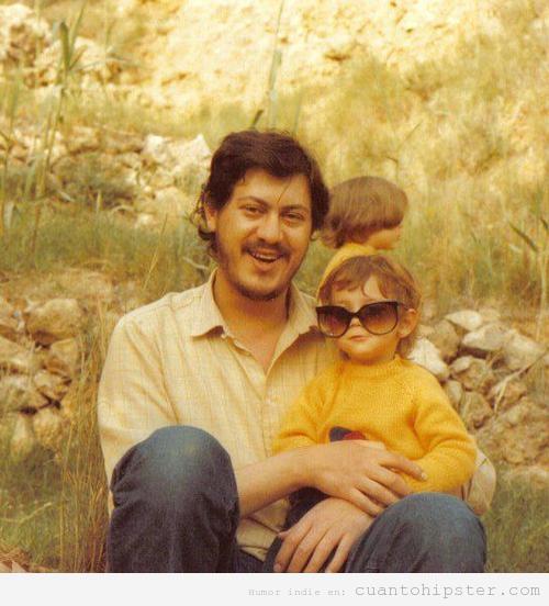 Foto de los años 80 con padre hipster