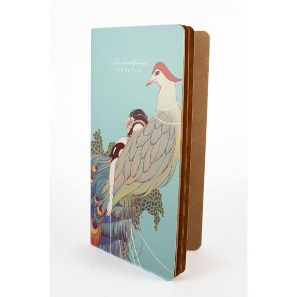 Cuaderno vintage dibujo de mujer y pavo real