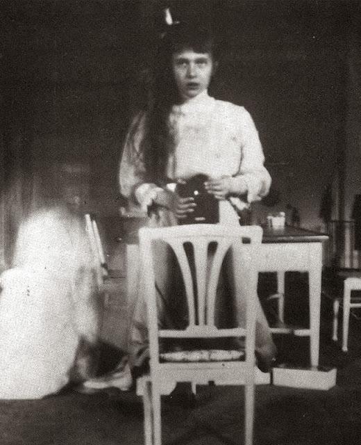 Foto antigua de un selfie en el espejo siglo XIX