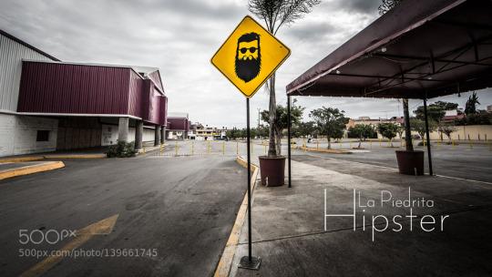 Señal tráfico peligro hipster