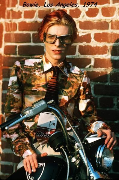 Foto antigua David Bowie de joven en 1974