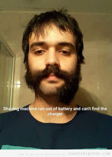 Foto graciosa estropear máquina afeitar, barba a la mitad