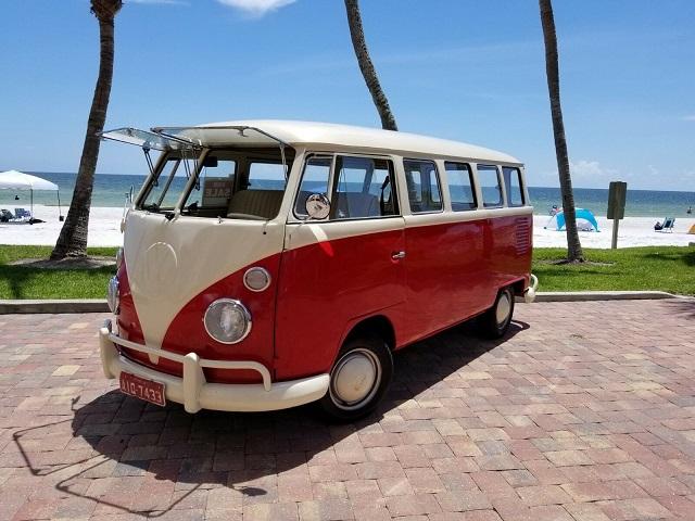 Coche hipster Volkswagen Vanagon
